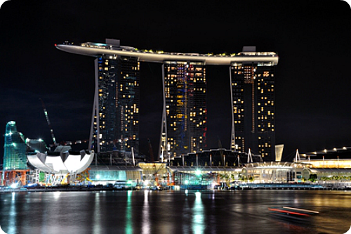 Marina bay sands night skypark 2010 - 1