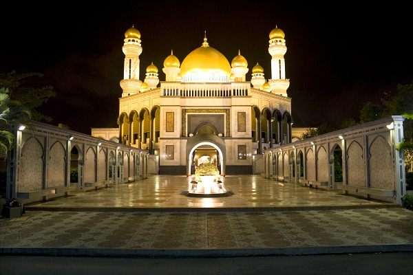 Night image of Jame'Asr Hassanil Bolkiah Mosque, Bandar Seri Begawan, Brunei.