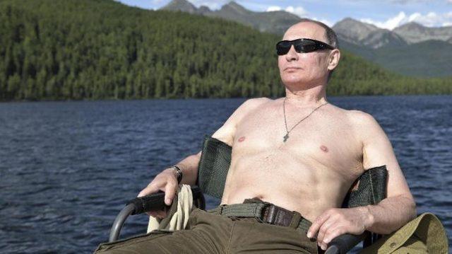 Vladimir Putin pria terseksi di russia