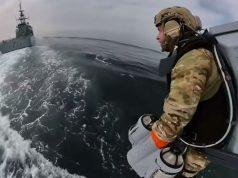 Angkatan Laut Inggris Gunakan Pakaian Jet Iron Man