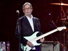 Efek Vaksin Covid-19 Membuat Eric Clapton Khawatir Tidak Bisa Main Gitar