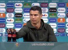 Cristiano Ronaldo Singkirkan Botol Coca-Cola Merugi Rp 56,9 Triliun