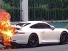 Ini Ciri-ciri Serta Penyebab Kebakaran Pada Mobil Sport Yang Kerap Dijumpai